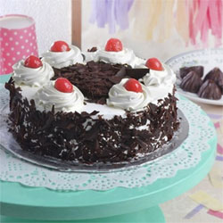 1kg Black Forest cake to Vizag