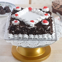 Black forest cake 1kg  to Kakinada