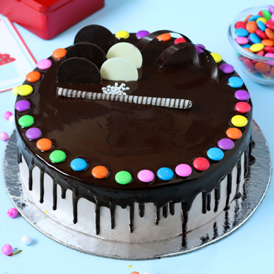 Cho with Gems cake