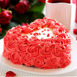 Strawberry Cake 1.5kg to Vizag