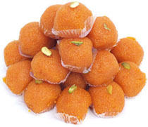 Tasty Motichur Laddu packed in gift pack, Weight : 1kg