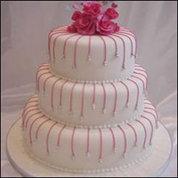 3 Tier Strawberry Cake to Kakinada