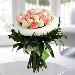 20 Luxurious arrangement of gorgeous pink and white roses will add style and class to your loved ones day 