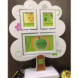 Tree photo frame